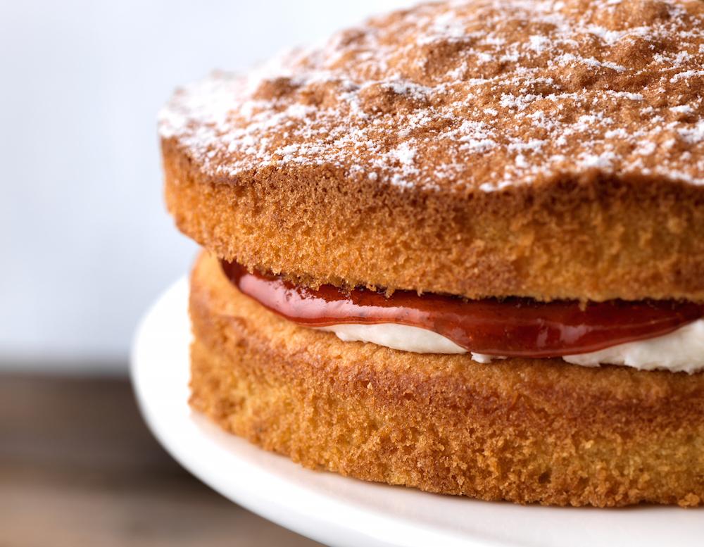 victoria-sponge-birthday-cake-delivery